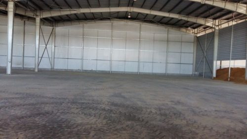 foto 3 interior jumatate depozit 4000 m2